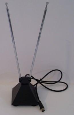 Телевизионна антена . Стайна с поставка