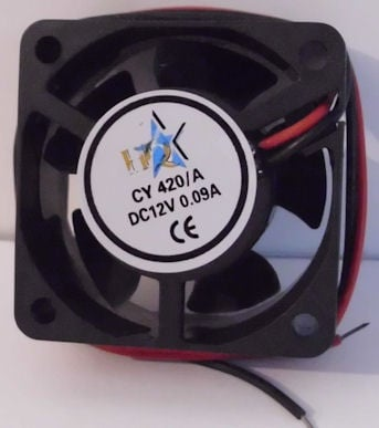Вентилатор . 12V 40X40X20мм.